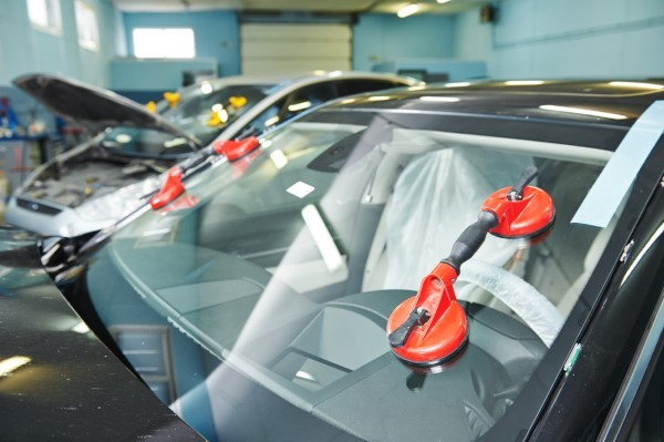 Automotive Glass Repair in Indiana and Illinois